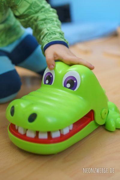 Krokodoc Hasbro Spiele für Kleinkinder