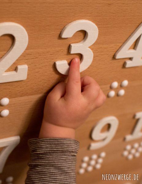 Selbstgemachtes Busyboard für Kleinkinder - Einfach Spielen - Zahlen lernen
